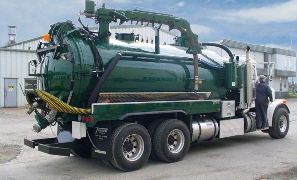 Pumping Services Jetter Truck Vacuum Truck Septic Tank